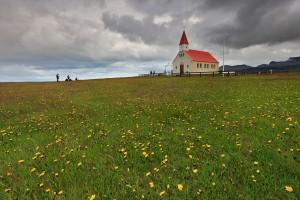 Tour 2 shooting a church at Snæfellsnes.